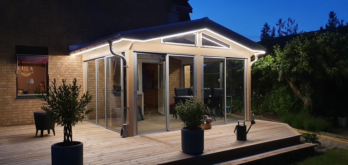 LED-list / LED-slang på fasad för altan och uterum