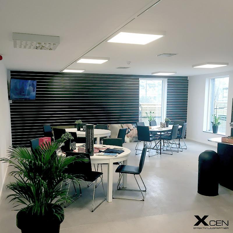 LED-panel i kontorsmiljö