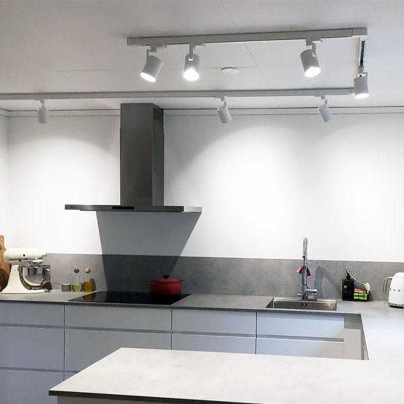 Guide - Spotlights i skena till kök