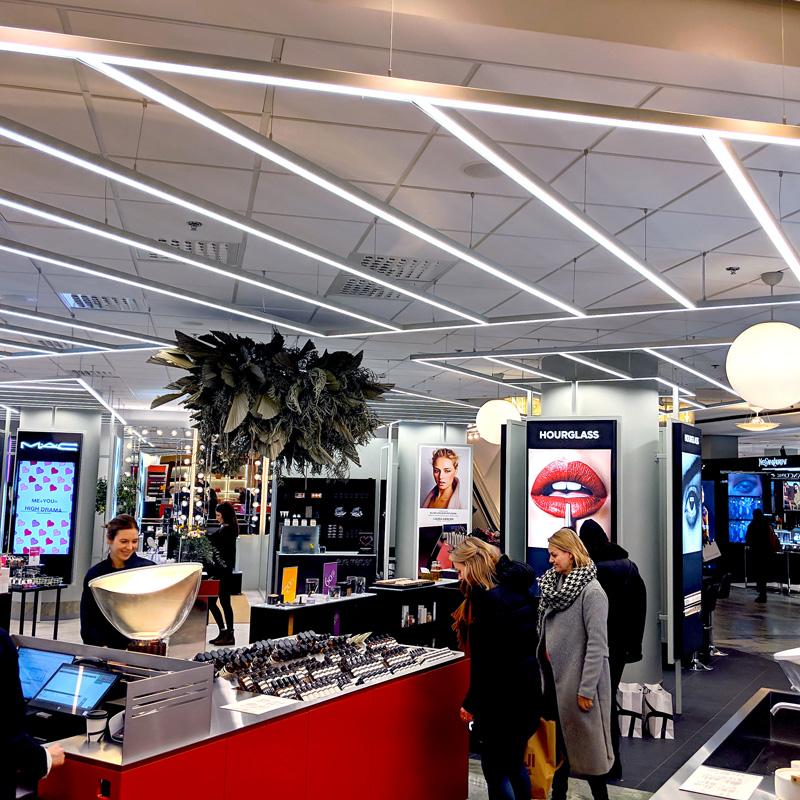 Linjärt ljus köpcentrum / Galleria