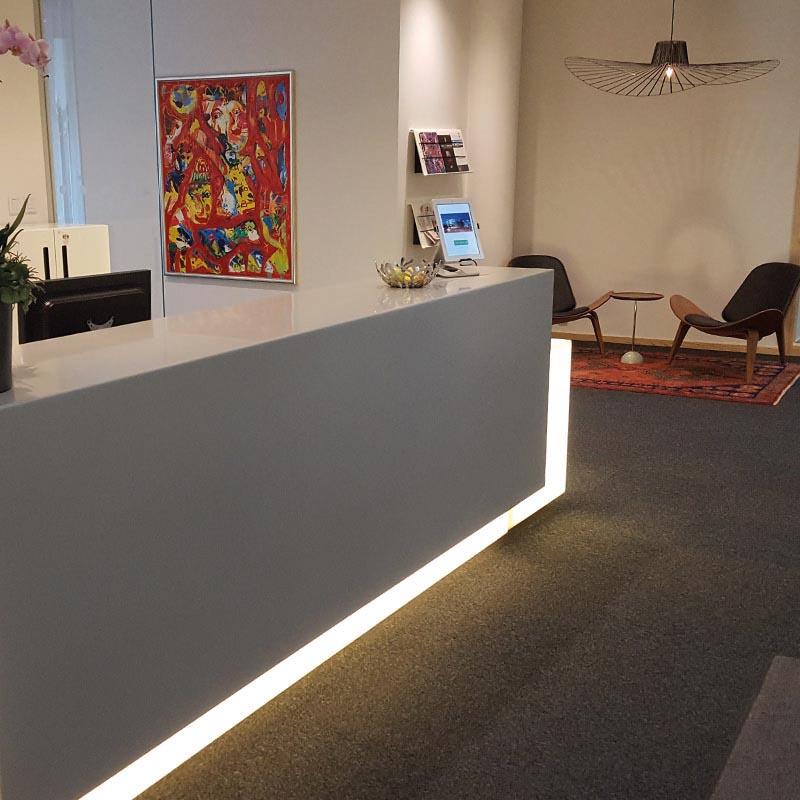 inbygd belysning receptionsdisk
