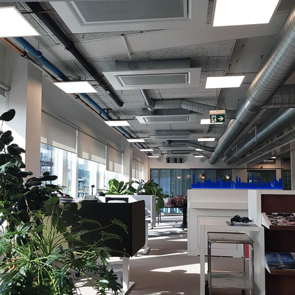 Belys kontorsytor med led paneler