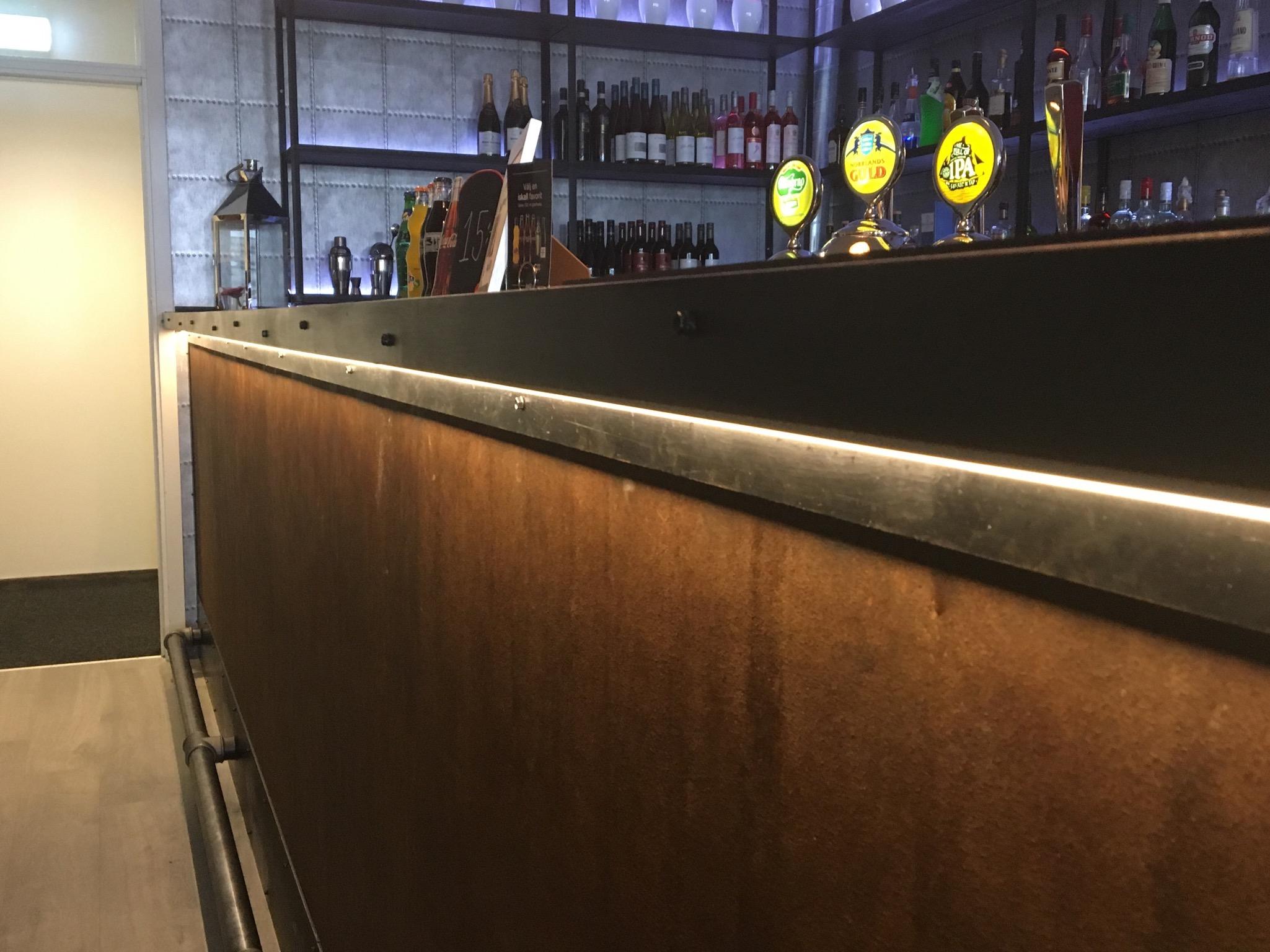 LED-ljus till bowlinghallens bardisk