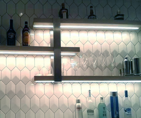 Belysning hyllplan i kök