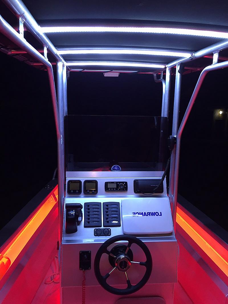 Belysning med LED-list till båt