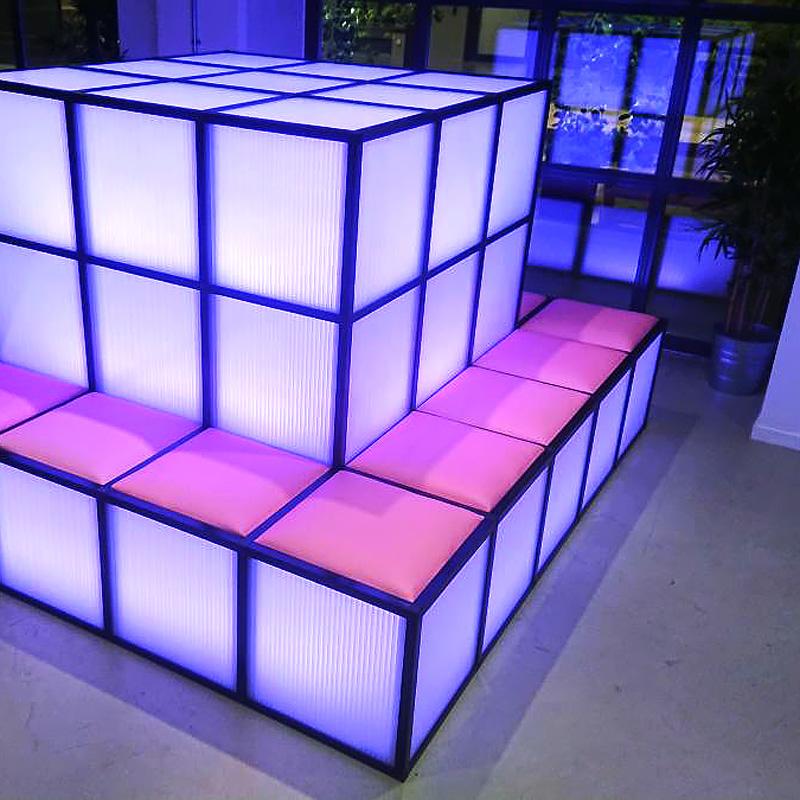 Möbeldesign med RGB-belysning