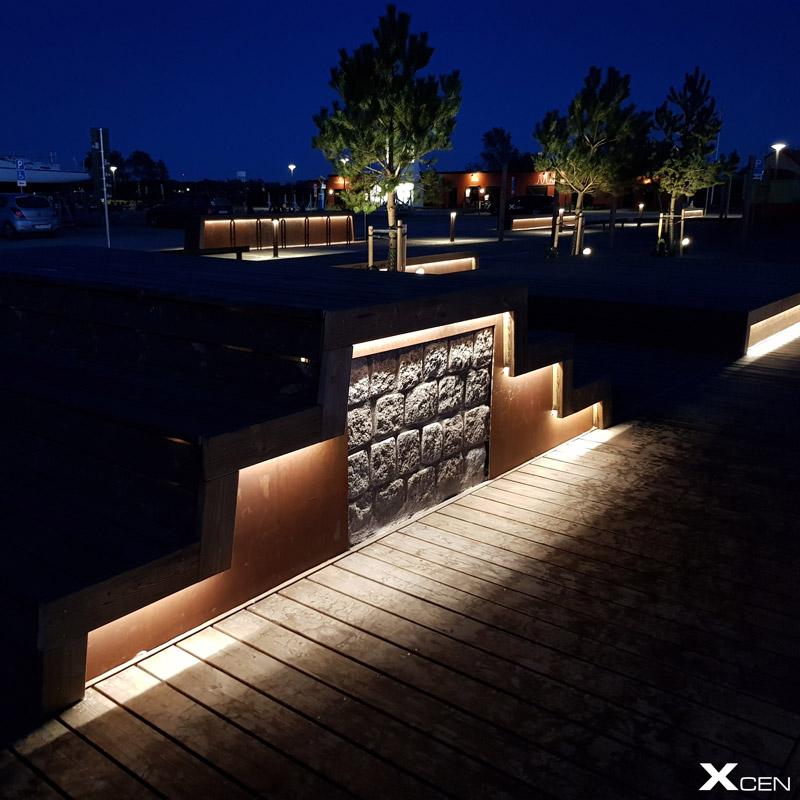 Belysning i bänk utomhus