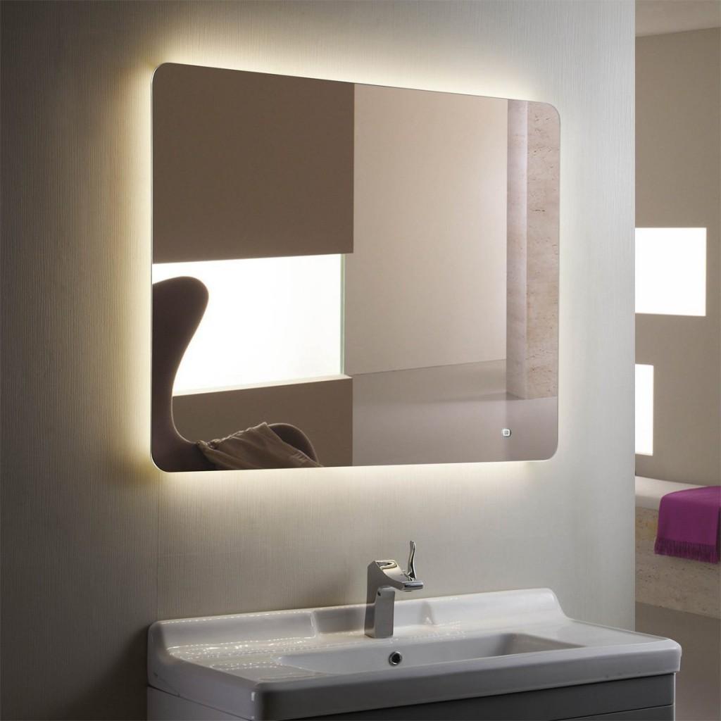 Spegelbelysning i badrum